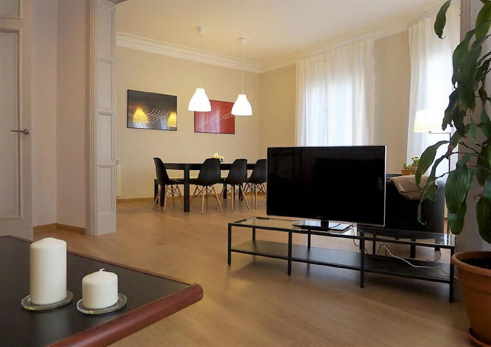 Large Sant Gervasi Apartment (ESADE and IESE) 4 Bedrooms and 4 Bathrooms up to 8